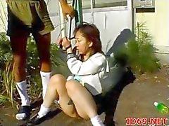 De modelos AV japoneses en una video orina