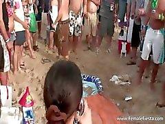 Plaj ve babes sert parti zamanı