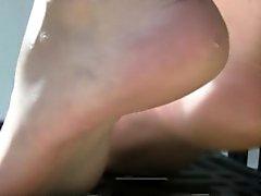 Italiener nackten Füßen Drück