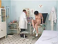 Busty Babe Rita perverse gyno arts examen