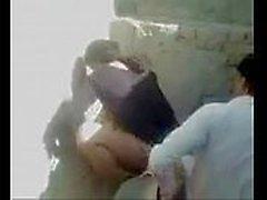 Casal arabe não meio da rua