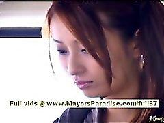 ORKB Yoshizaki reizvolle asiatische Teen über die den Bus