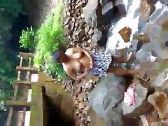 Baño de la mujer srilankan