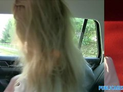 PublicAgent Sexy Lehrer fucking in einem Auto