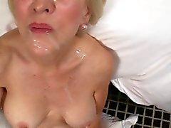 Nineleri ile seks