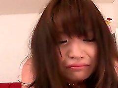 Tiener Japanse pop en haar eerste hardcore kont neuken in close- up