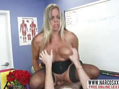 Sensitive Not Mother Amber Bach In Calze vuole sesso lento
