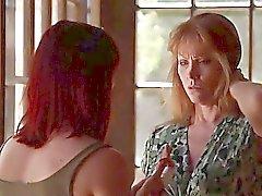 Darla Crane tröstet einem Freund mit Lesbian Sex