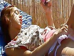 Russische model Natasha met roze speelgoed