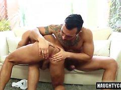 Sexo anal homossexual latino com corrida