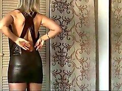 senhora senhora sensual no guarda-roupa