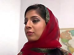 Pakistanin Nadian Alin imee sekä Fucks Monissa BBC
