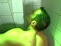 Superhot openbaar toilet