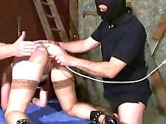 Une formation des esclaves (beaucoup de la perversion )