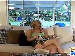 Frecher zierlich Babysitter von Gwen Diamanten Flirts und Küsse
