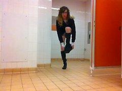 flashing in public toilets