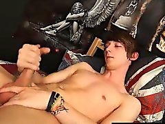 Горячая тонусе гей мальчиком получает голая
