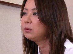Seksi Japon orospular oturma odasında gerçekten yaramaz olur