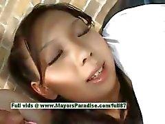 Mimi hot girl linda modelo chinês abre as pernas para mostrar buceta