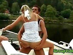 Geiler Menschen Treffen oben für Sex On Ein Boat