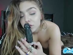 Teen babe in web cam solo