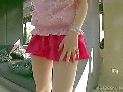 De l'étudiante de Tina de lame attire sa culotte roses