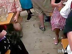 Горячие ебля в пивного праздника Октоберфест