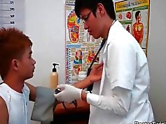 Doktor twink stygg ass checkup