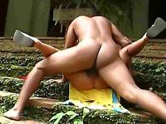 Amateur Ebenholz Paar bekommt verrückt im Freien