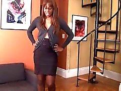 Güzel Ebony Külotlu Sniff ve İş Footslave sonra Ayak İbadet
