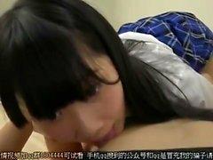 Японский подросток минет хуй в лифте