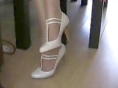 Pantyhose Jo mostra suas pernas minissaia