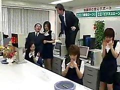 WTF Japanese Porn im Büro !