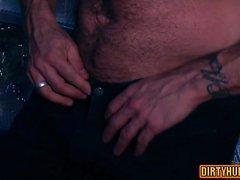 Мышцы гей секс втроем и лица