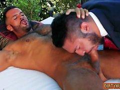 Sexo anal gay muscular com gozada