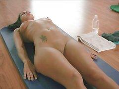 Насти барыня горячей Yoga заседании время как голые