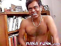 Nanas das Saugen Hahn indisch