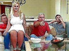 A madrasta seduza o enteado com paizinho existem