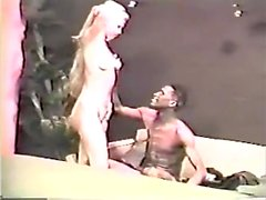 secousse amateur interracial off par jeune fille blonde