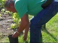 Junge Schritt Tochter gefickt Vater alter Gärtner nach draußen blasen abspritzen