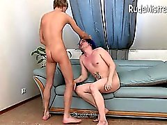 Bébé Dominant fout hommes bisex