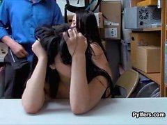 Latina Teen Verdächtige gefangen und gefickt