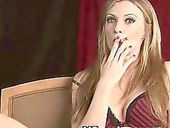Voluptuous Querida guarra para fumadores El sexo silvestre