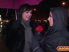 Sexy Lana Vegas et Melina Pure apprécient la succion du coq