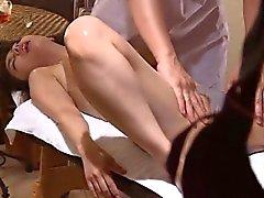 Writhes en el masaje afeitado Voyeur