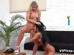 Vipissy - Dido Angel et Lexi Dona se pissent tous les uns sur les autres