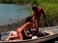 Natasha Lima voleva solo un giro in barca, quindi poteva ...