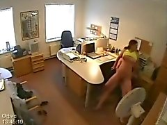 Sekretär Ficken am Überwachungskamera erwischt