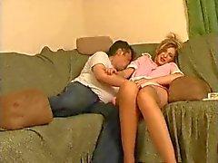 marito ha pervertito vuole che il suo giovane domestica