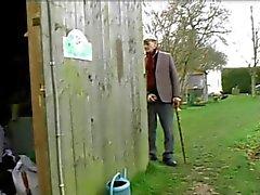 Old Man de capturas Maid Con BF lo tanto se la folla